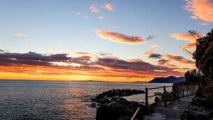 Path to Riomaggiore's Pebble beach